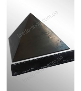Пирамида из шунгита полированная 100x100мм