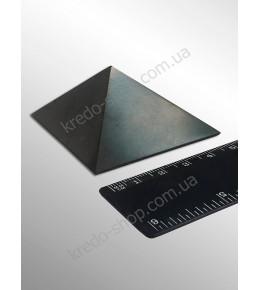 Пирамида из шунгита полированная 50x50мм